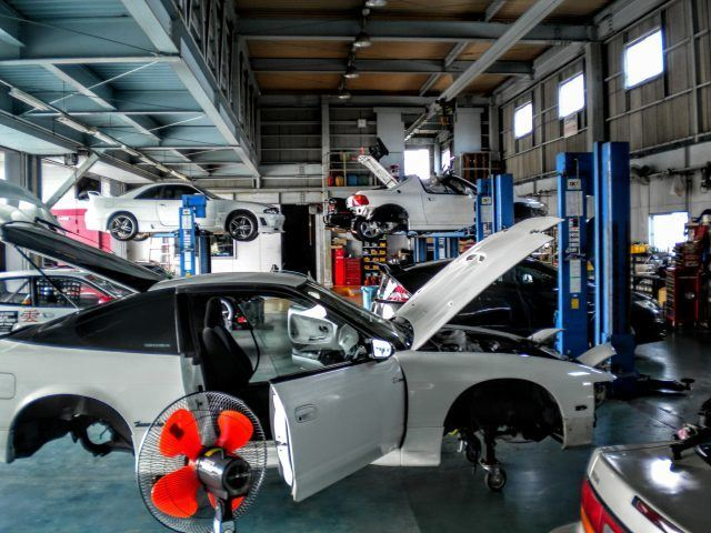 A Japanese tuning shop outside of Nagoya works on a series of vehicles that need servicing | Micah Wright/Autos Cheat
