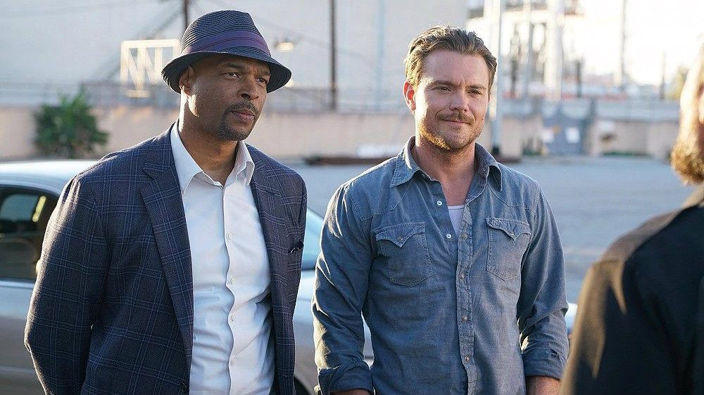 Clayne Crawford and Damon Wayans in Lethal Weapon