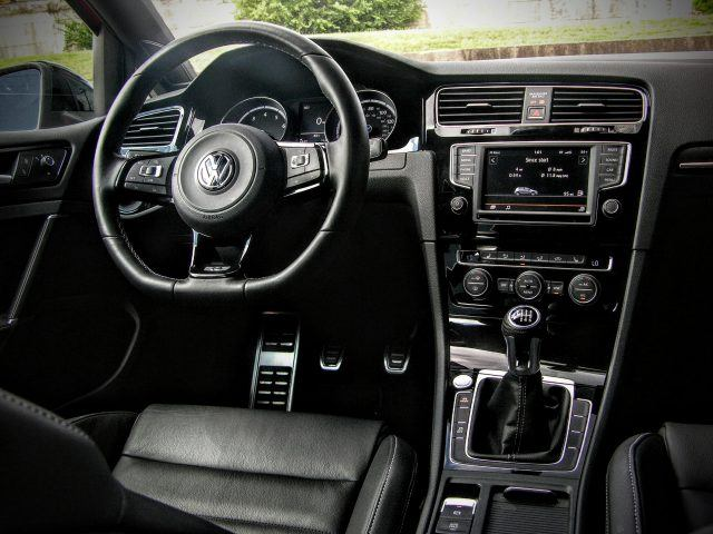Volkswagen Golf R steering wheel