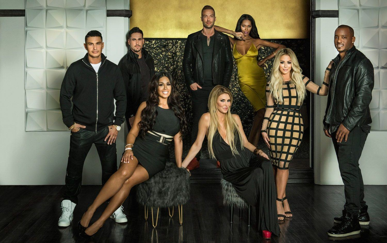 The Cast of Famously Single