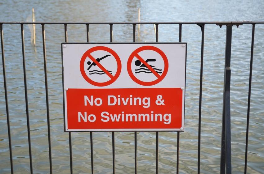 No diving and no swimming sign