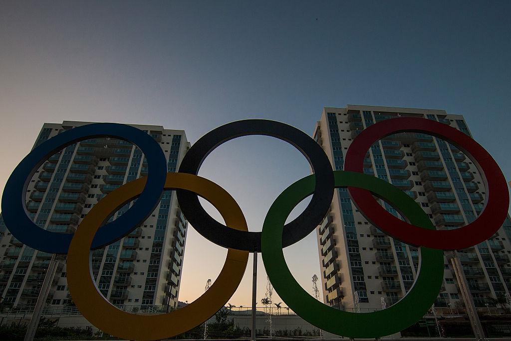 Olympics logo between buildings