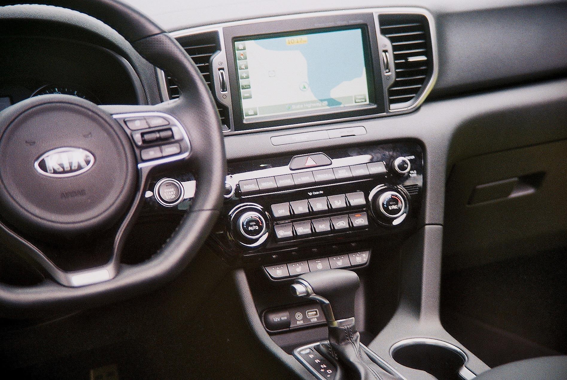 2017 Kia Sportage SX interior