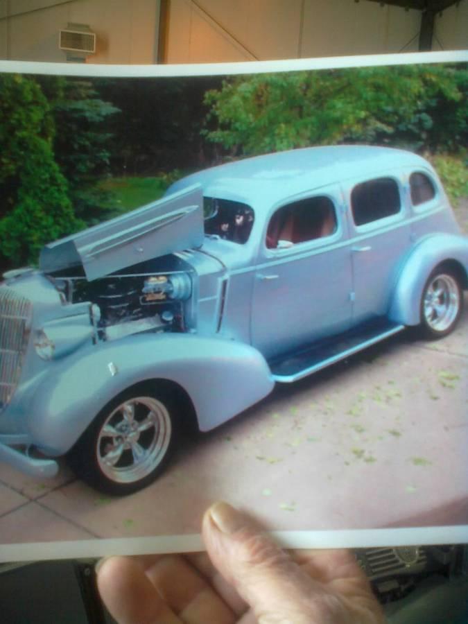 1935 Oldsmobile Sedan