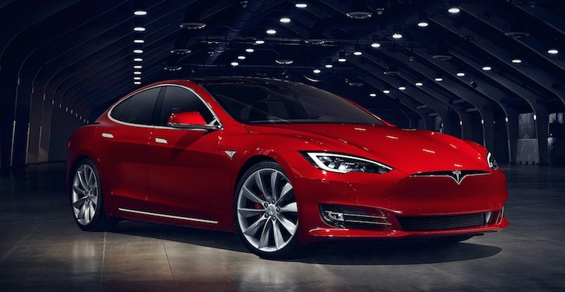 2016 Tesla Model S in red color
