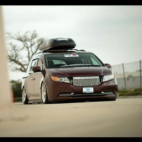 Turbo V6 Minivan | Source: Bisimoto Engineering via Facebook