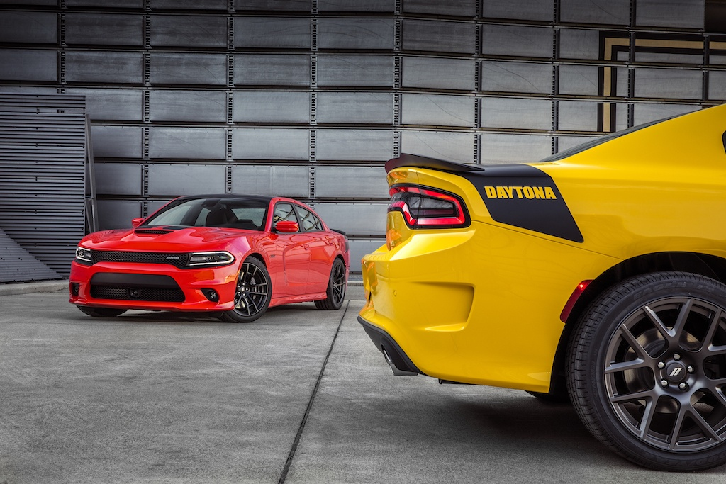 Dodge Charger Daytona; Charger Daytona 392 (left)
