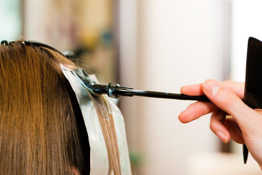 woman gets new hair colour