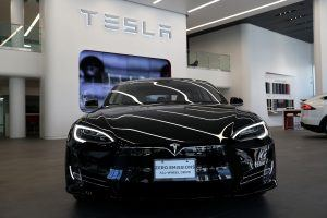 If Electric Cars Take Over, Here's How Much Oil Companies Will Lose