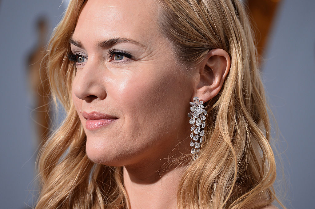 Actress Kate Winslet attends the 88th Annual Academy Awards