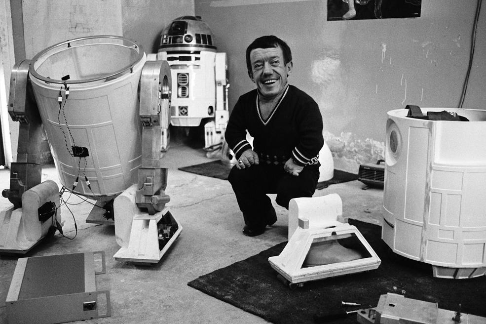Kenny Baker as R2-D2