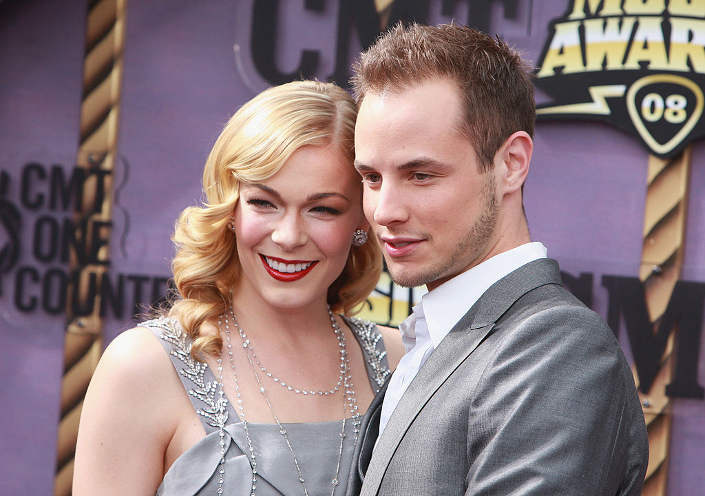 Singer LeAnn Rimes (L) and husband Dean Sheremet
