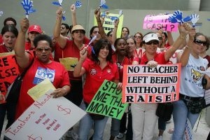 10 States That Pay Teachers the Highest (and Lowest) Salaries