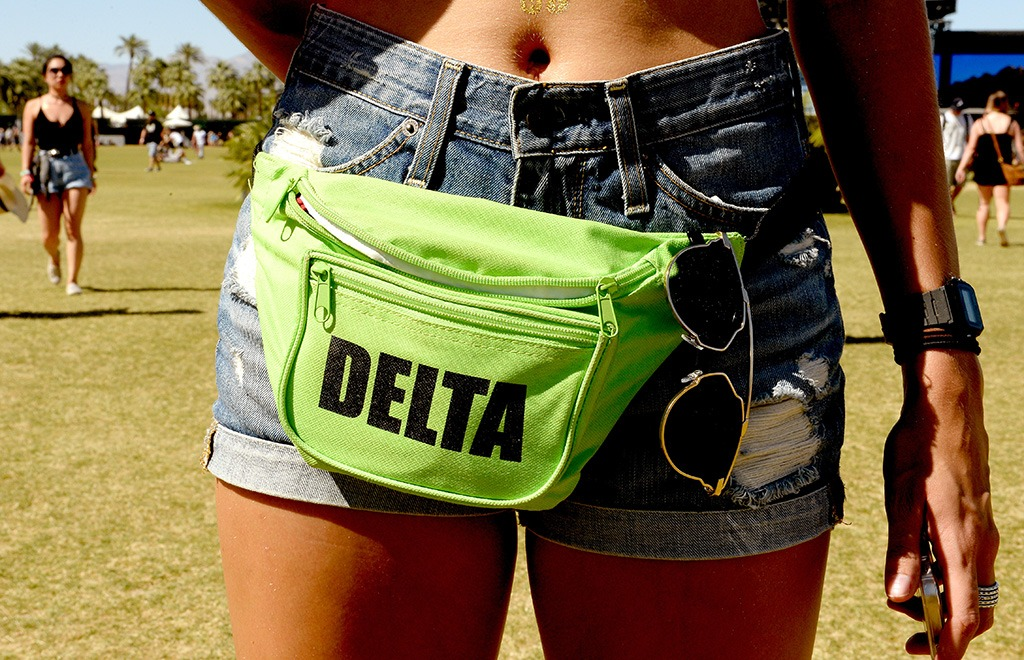concert goer wearing a fanny pack