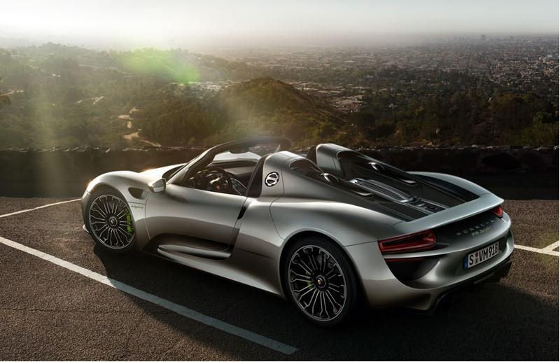 Hybrid Supercar: Porsche 918 Spyder