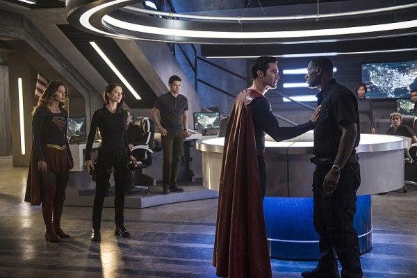 supergirl-season-2-superman-tyler-hoechl