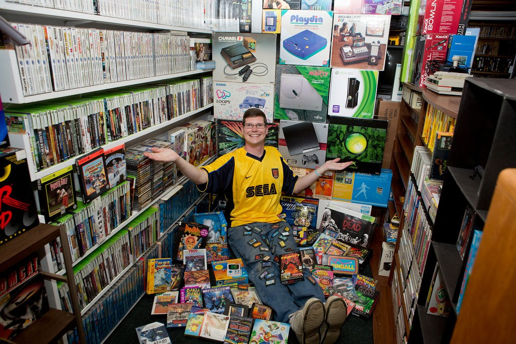 Michael Thomassen and the world's largest video game collection.