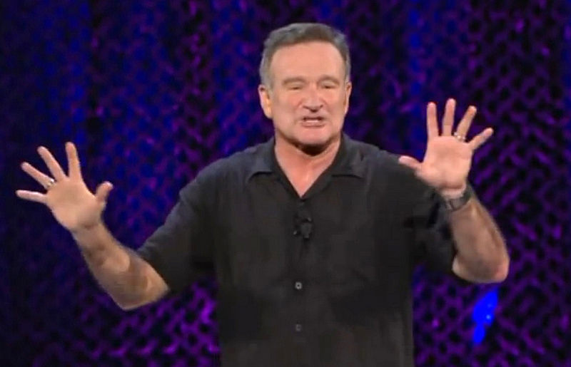 Robin Williams performing live