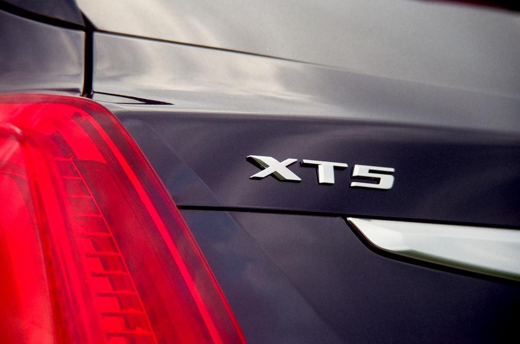 2017 Cadillac XT5 Platinum|James Derek Sapienza/Autos Cheat Sheet