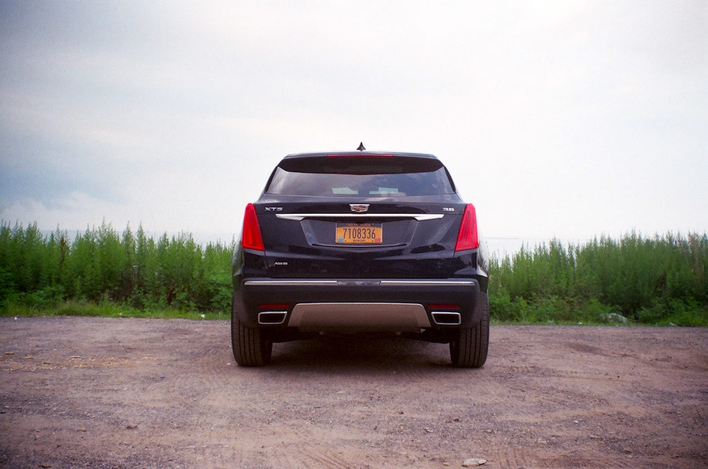 2017 Cadillac XT5 Platinum James Derek Sapienza/Autos Cheat Sheet