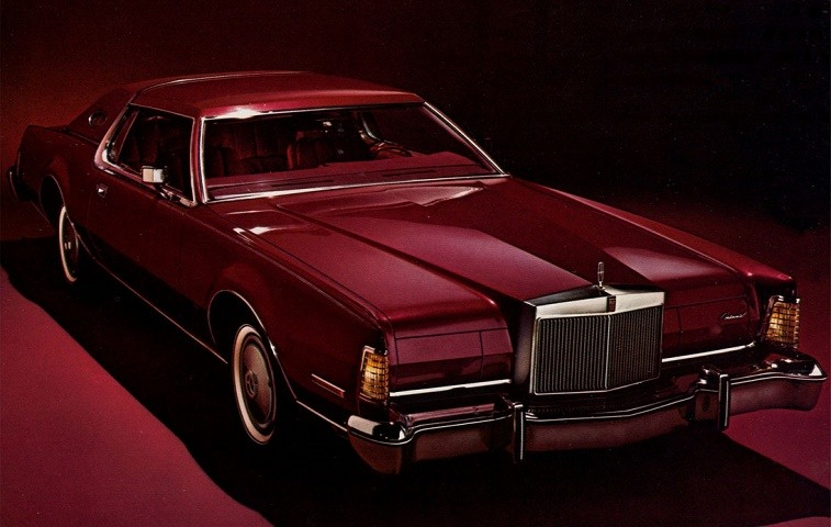 1976 Lincoln Continental Mark IV as seen in original brochure