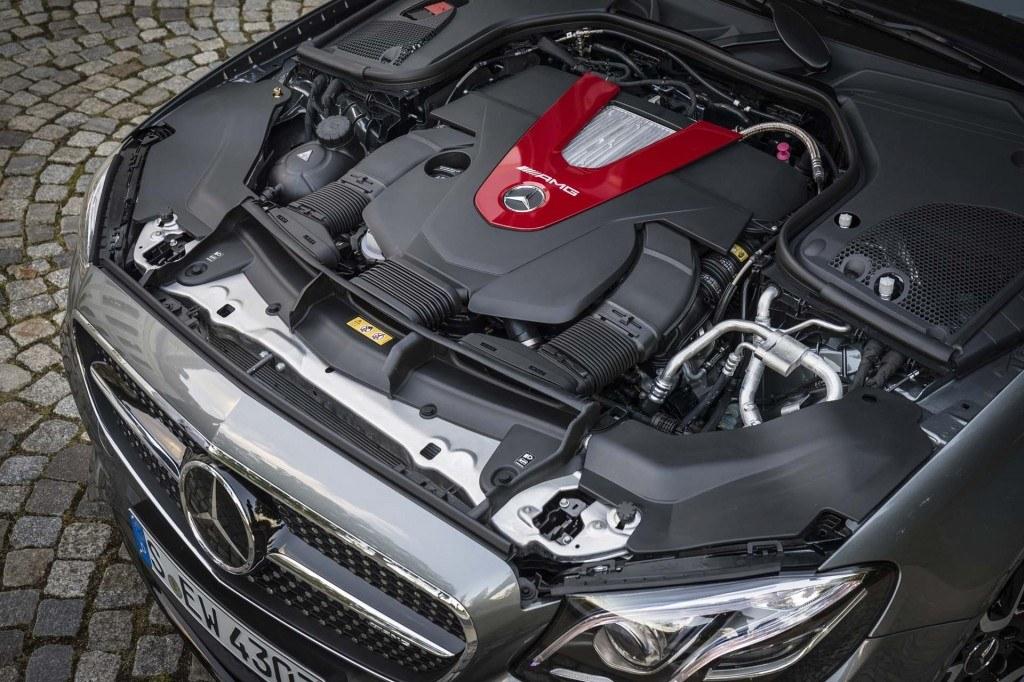 2017 Mercedes-AMG E43 engine bay