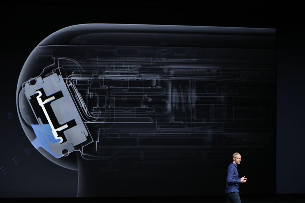 Apple COO Jeff Williams announces Apple Watch 2