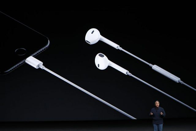 Phil Schiller introduces Lightning headphones during a launch event
