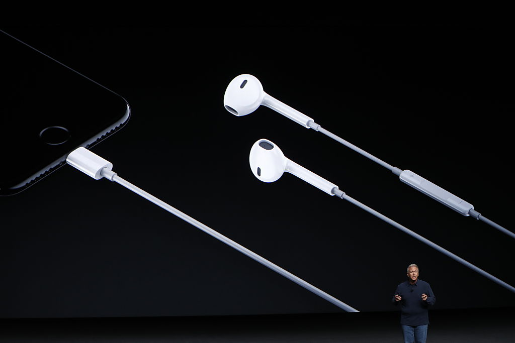 Phil Schiller introduces Lightning headphones for the new iPhone 7