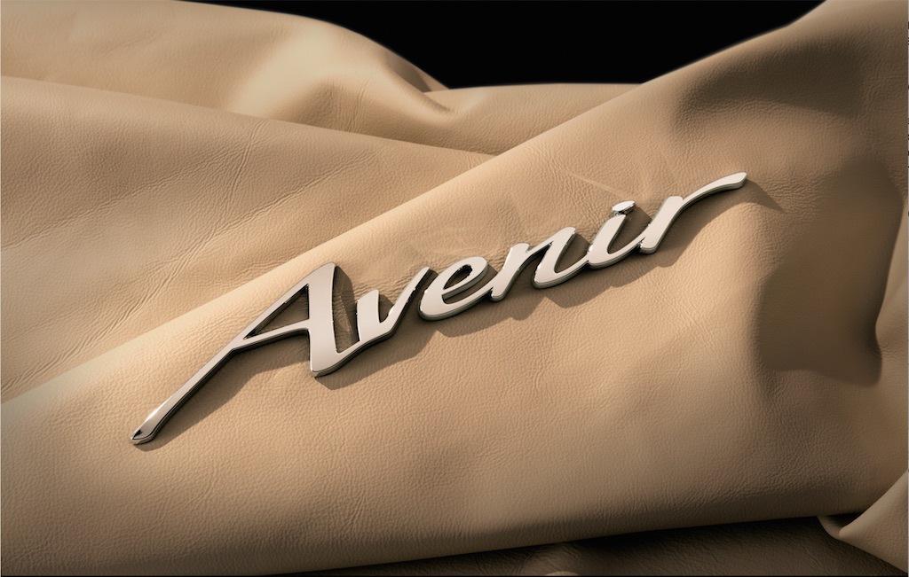 Buick Avenir nameplate   Buick
