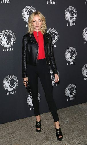 LONDON, ENGLAND - SEPTEMBER 17: Clara Paget attends the Verses show during London Fashion Week Spring/Summer collections 2017 on September 17, 2016 in London, United Kingdom.