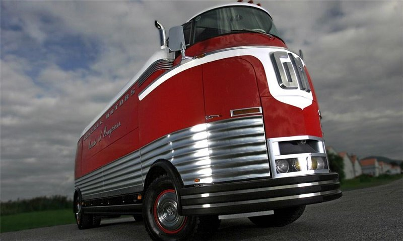 1950 GM Futurliner Parade of Progress Tour Bus