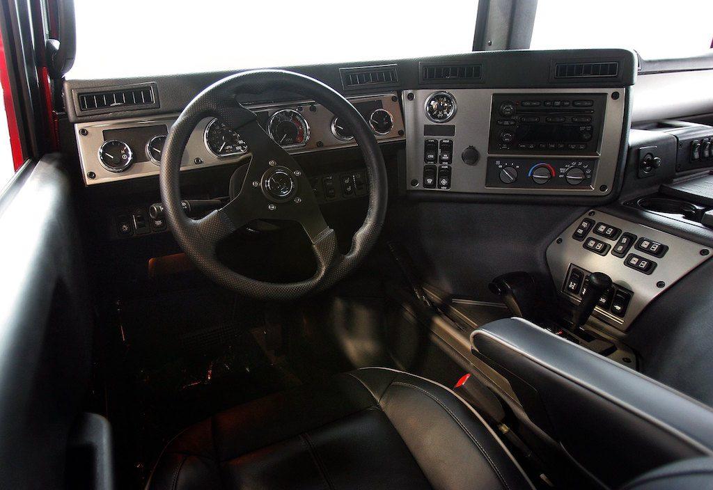 2006 Hummer H1 interior