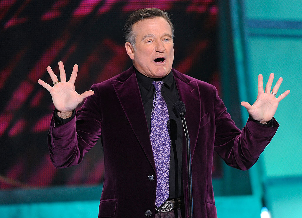 Robin Williams at the 35th Annual People's Choice Awards talking on stage
