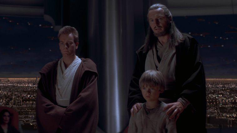 Qui-Gon Jinn, Anakin Skywalker, and Obi-Wan Kenobi stand together