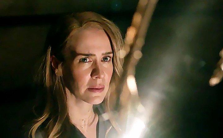 Sarah Paulson stars in American Horror Story: Roanoke