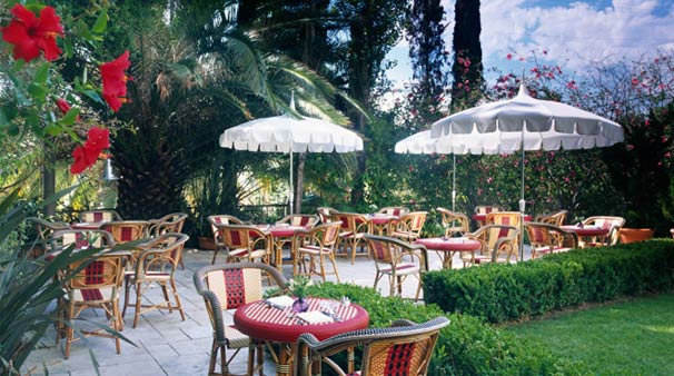 Chateau Marmont patio dining