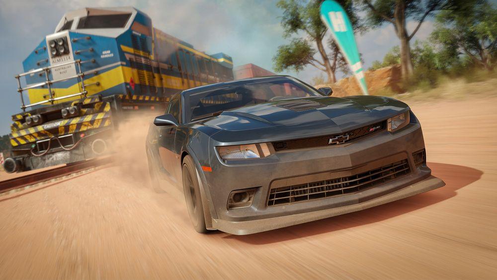 Racing a train in 'Forza Horizon 3'