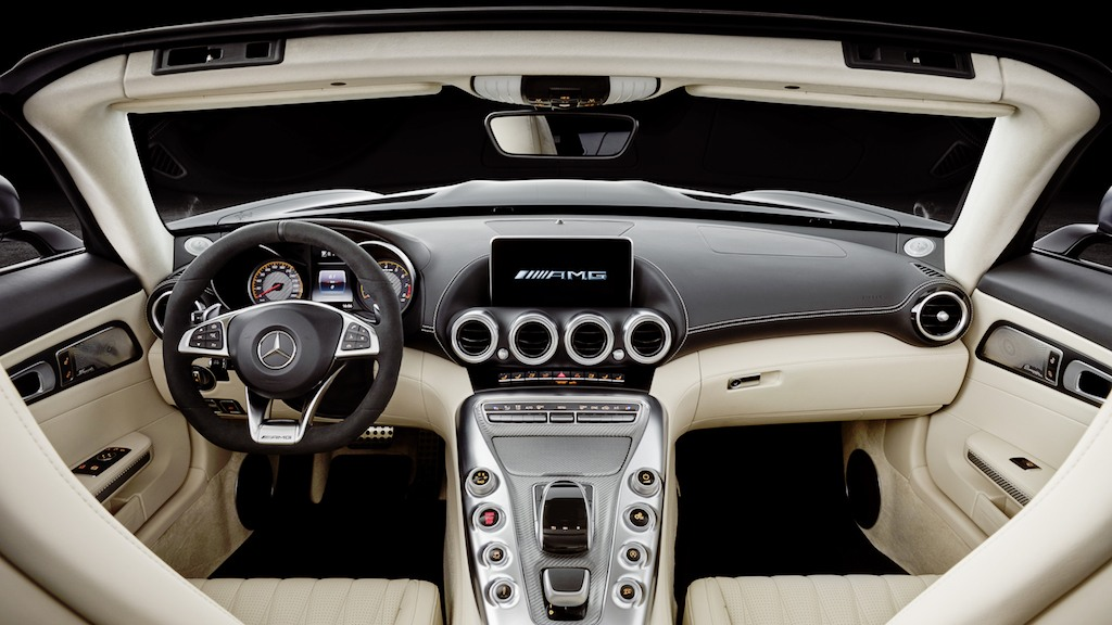 2018 Mercedes-AMG GT Roadster interior