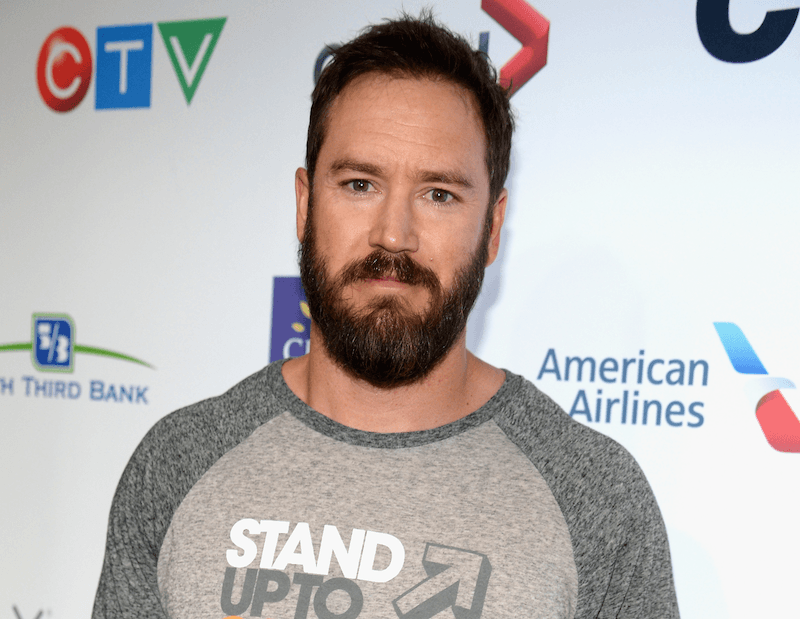 Mark-Paul Gosselaar poses on the red carpet