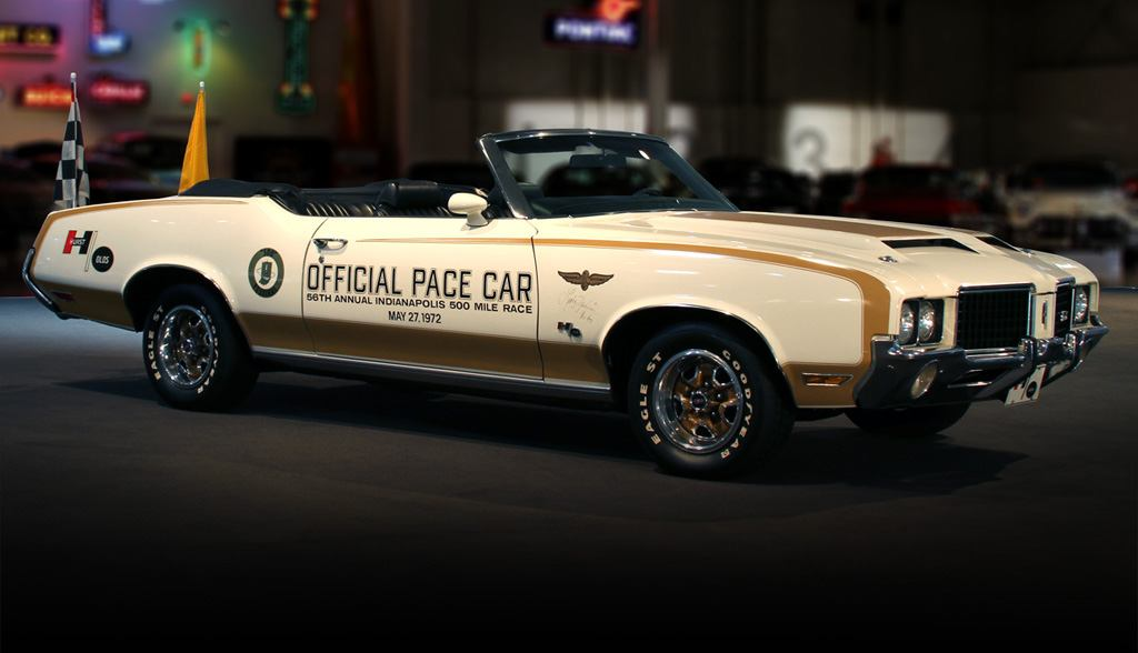 1972 Oldsmobile Cutlass 4-4-2 Indianapolis 500 pace car