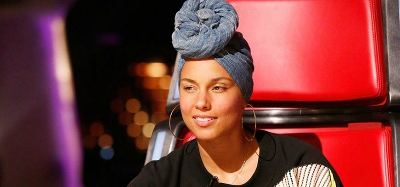 Alicia Keys smiling on The Voice