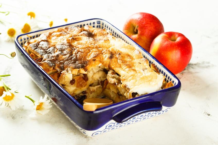 Bread pudding with apples | iStock.com/Mariha-kitchen