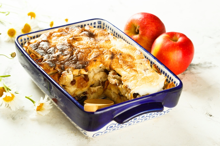 Bread pudding with apples