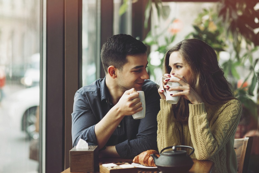 6 Romantic Gestures Every Woman Wants Her Partner to Perform