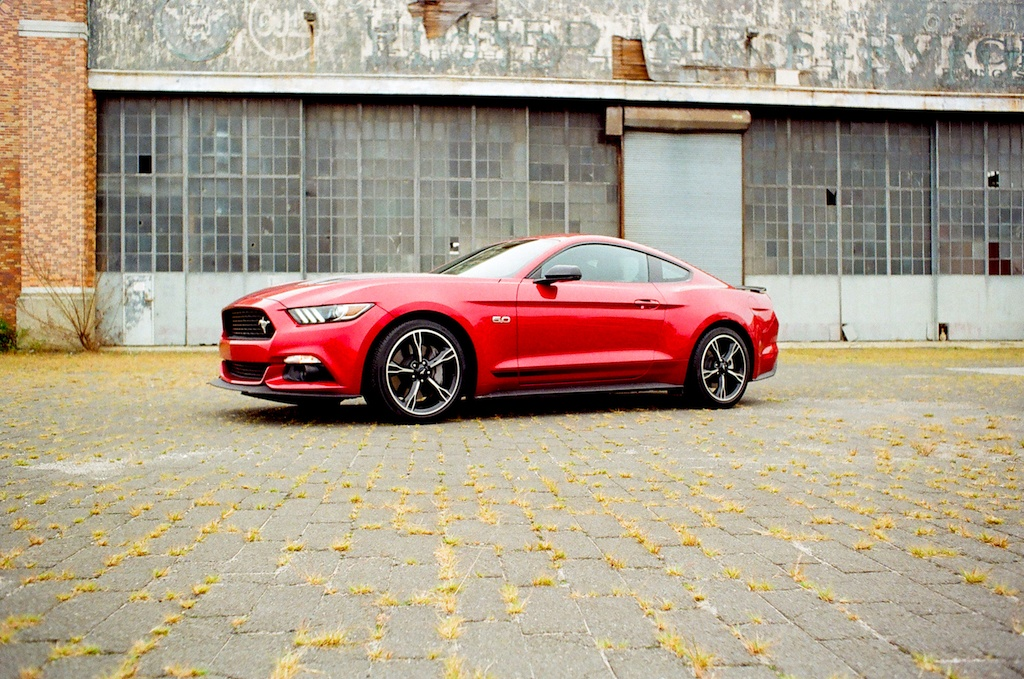 Top Muscle Cars To Buy In - Best cheap sports cars 2016