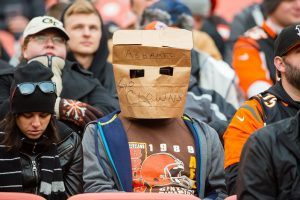 How Your Favorite Football Team Can Make You a Bad Employee