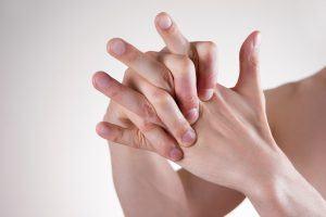 All the Ways to Manage Arthritis Pain in Winter