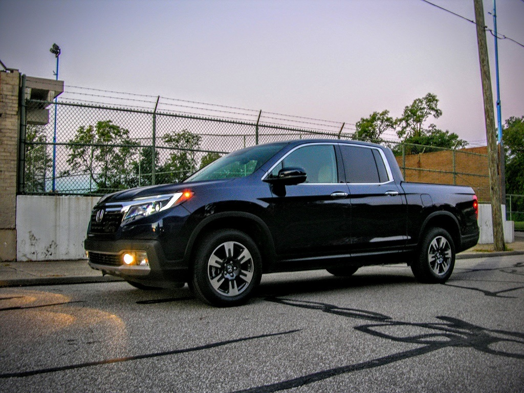 Honda Ridgeline RTL-E | Micah Wright/Autos Cheat Sheet