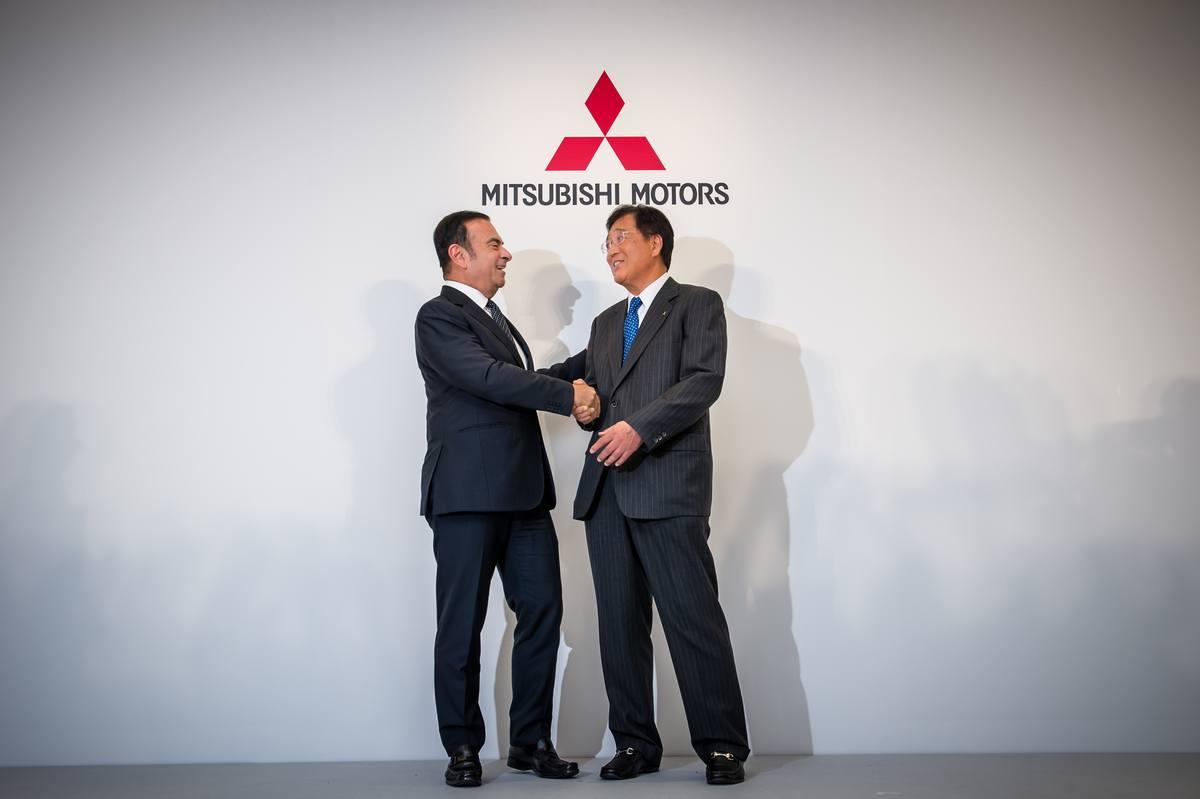 Nissan Chairman and CEO Carlos Ghosn and Osamu Masuko, president and CEO of MMC | Nissan